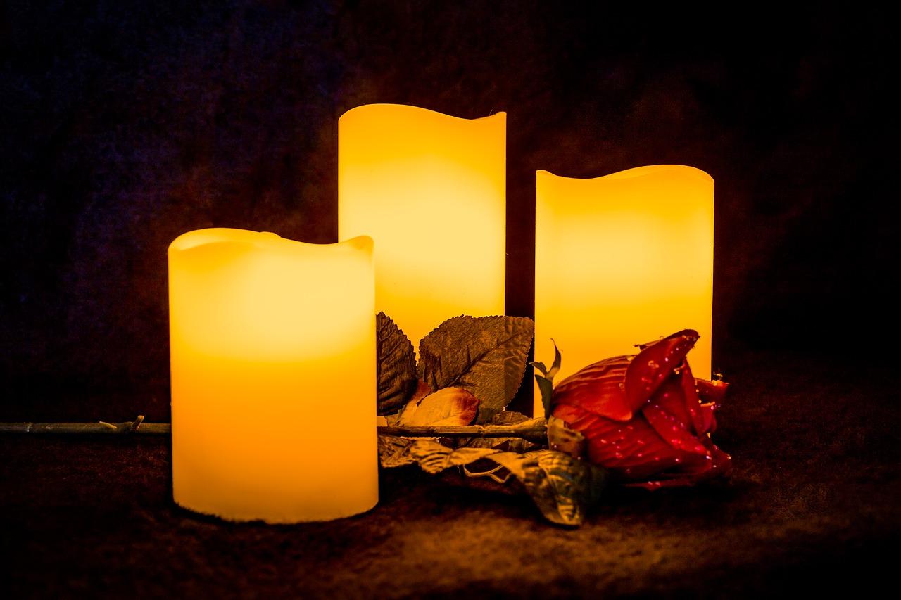 candle-2912781_1280